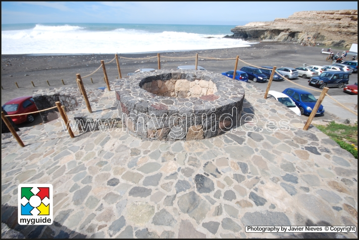 You are browsing images from the article: Fuerteventura Caves from Ajuy
